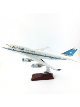 XL Kuwait Airways Boeing 747