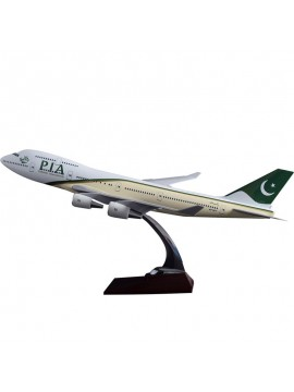 XL Pakistan International Boeing 747