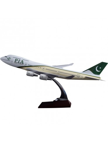 47cm Pakistan International Boeing 747