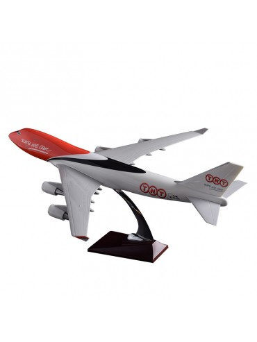 47cm TNT Express Boeing 747