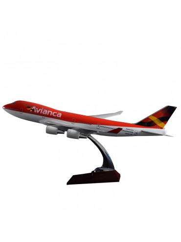 47cm Avianca Boeing 747