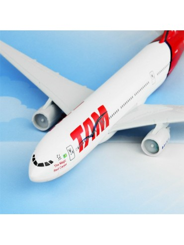 TAM Airlines Boeing 777