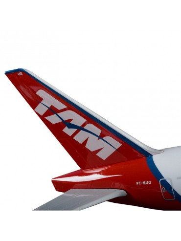 XL TAM Airlines Boeing 777