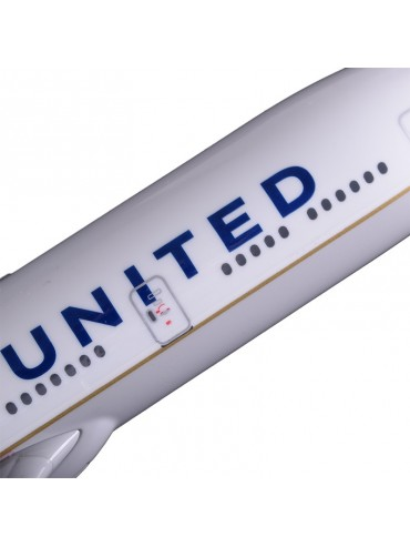XL United Airlines Boeing 777