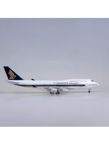 XL Singapore Airlines Boeing 747